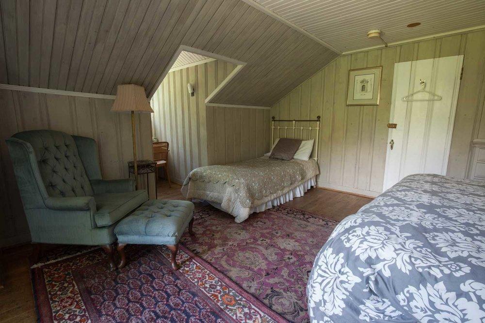 Room 27, Crow's Nest Suite
