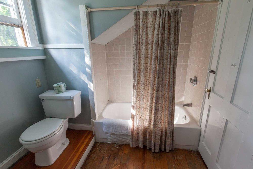 Room 28, Crow's Nest Suite