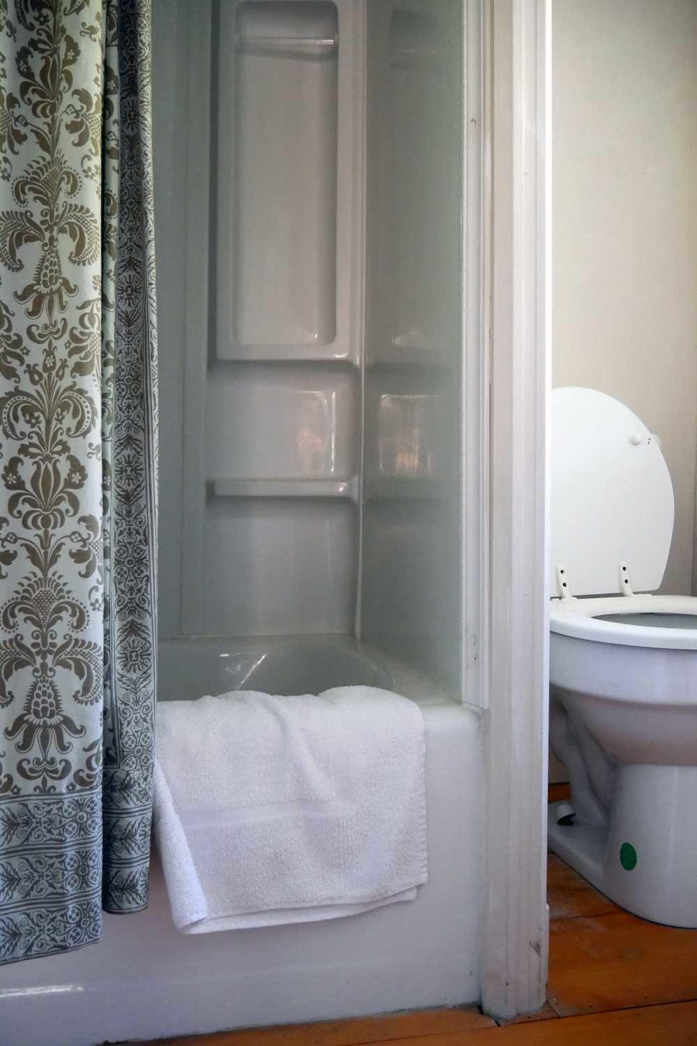 Room 33, Martingale