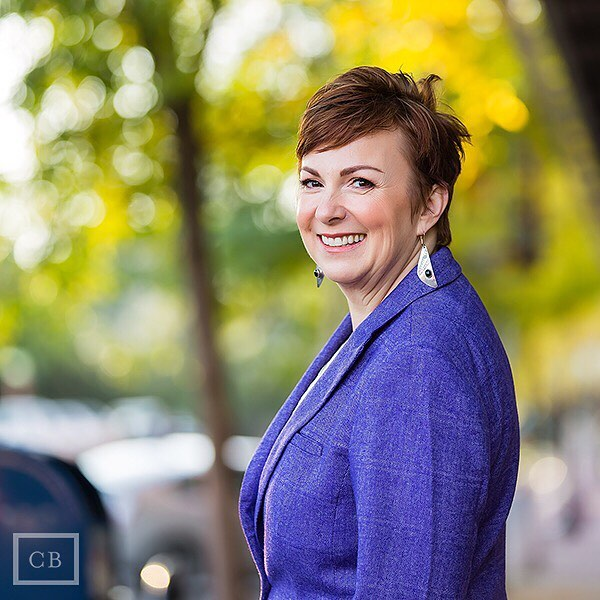 Four Reasons Professional Headshots Help Your Business. 😀 check out the link in bio #casabayphotography