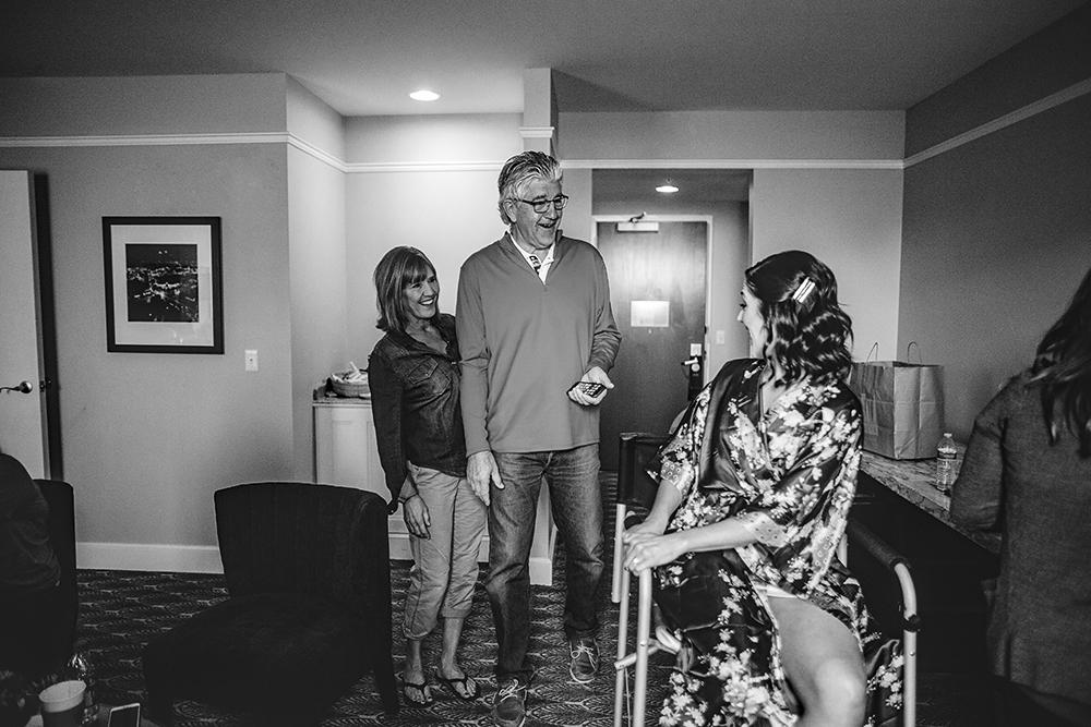 Our-Lady-of-Sorrows-President-Hotel-Kansas-City-Mo-missouri-Kc-KCMO-Jason-Domingues-Photography-wedding-photography-photographer-0004.jpg