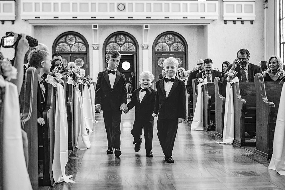 Our-Lady-of-Sorrows-President-Hotel-Kansas-City-Mo-missouri-Kc-KCMO-Jason-Domingues-Photography-wedding-photography-photographer-0010.jpg