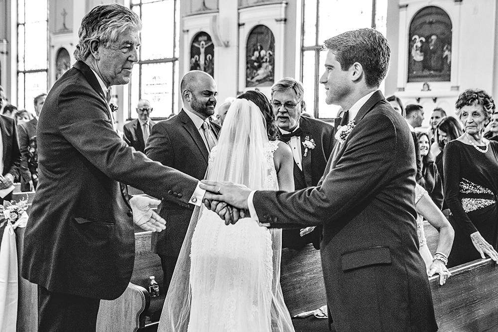 Our-Lady-of-Sorrows-President-Hotel-Kansas-City-Mo-missouri-Kc-KCMO-Jason-Domingues-Photography-wedding-photography-photographer-0016.jpg