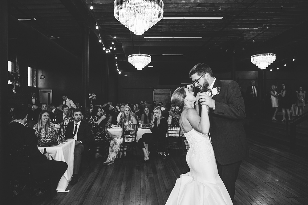 magnolia-venue-urban-garden-kansas-city-wedding-photographer-jason-domingues-photography-emily-zach-blog-_0042.jpg