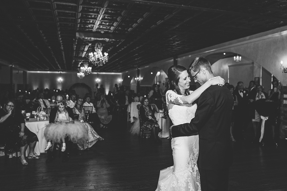 pavilion-event-space-kansas-city-wedding-photographer-jason-domingues-photography-britany-michael-blog-_0039.jpg