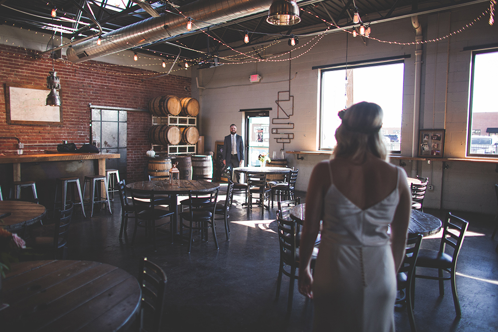 cinder-block-brewery-kansas-city-wedding-photographer-jason-domingues-photography-justyn-jeff-blog-0003.jpg