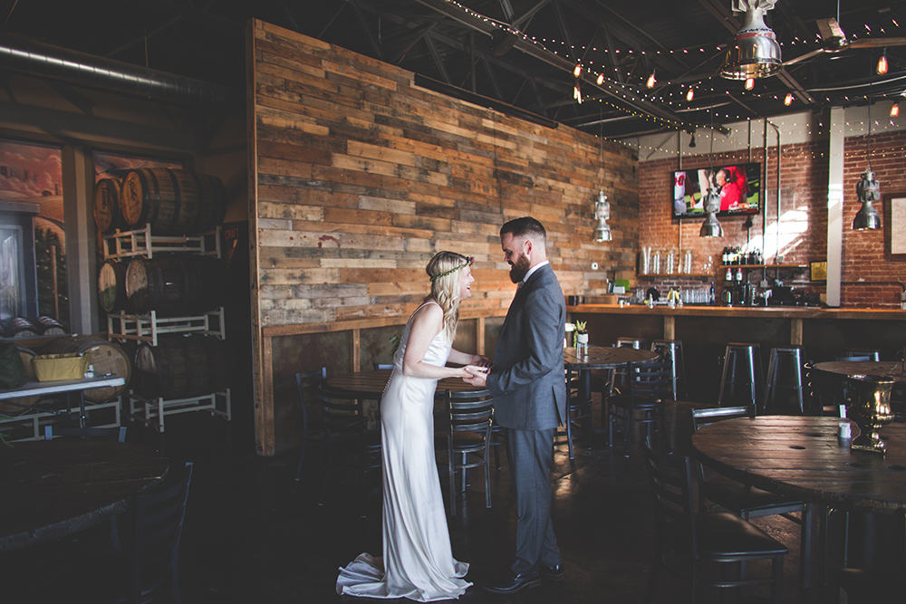 cinder-block-brewery-kansas-city-wedding-photographer-jason-domingues-photography-justyn-jeff-blog-0004.jpg
