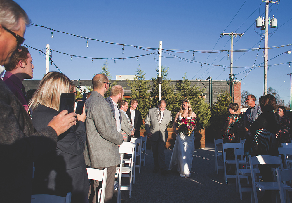 cinder-block-brewery-kansas-city-wedding-photographer-jason-domingues-photography-justyn-jeff-blog-0016.jpg