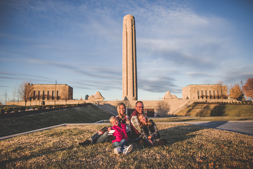 liberty-memorial-kansas-city-photographer-jason-domingues-photography-cozby-family-blog-0013.jpg