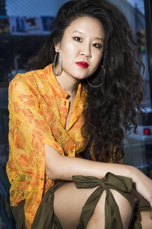 Kim Shui wearing Kim Shui S/S 18, shot by Minü Han.