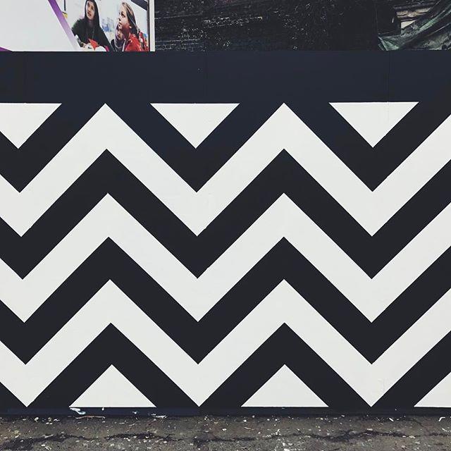 Sunday Stroll - - - #graphic #stripes #pattern #patterns #stripe #striped #zigzag #graphics #graphicart #eastlondon #exploreeverything #london #weekend #minimal #minimalism #blackwhite #sunday #sundaystroll