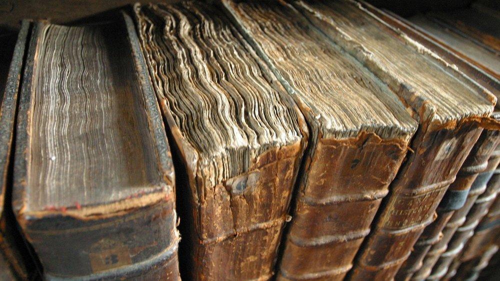 Libros antiguos.jpg