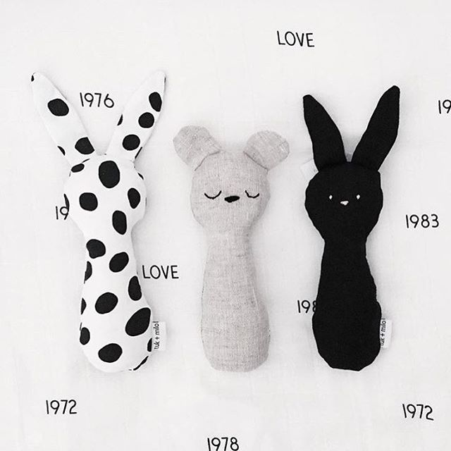 our linen + cotton sensory soft toys are stuffed with organic cotton making them the perfect gift for a new babe. 📷@dancewithdirtyfeet