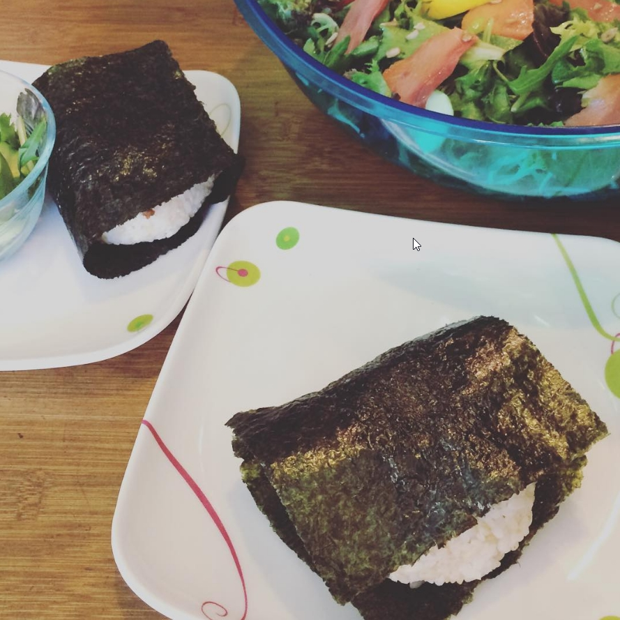 "2017-01-12 21_31_09-Meghan Sara on Instagram_ ""🍙 ASHBOX 🍙 ONIGIRI 🍙 (and salad) 🍙 ONIGIRI 🍙 #on.jpg"