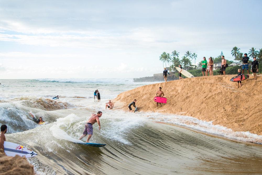 waimea bay oahu hawaii surfing