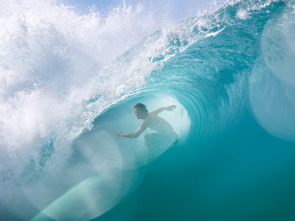 jordy smith pipeline surfing