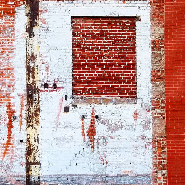 @rottenart  Brick Shithouse 2018  #art #found #lost #bethlehem #steelstacks #decay #insta #artistsoninstagram #color #roadtrip #formalism #rottenart