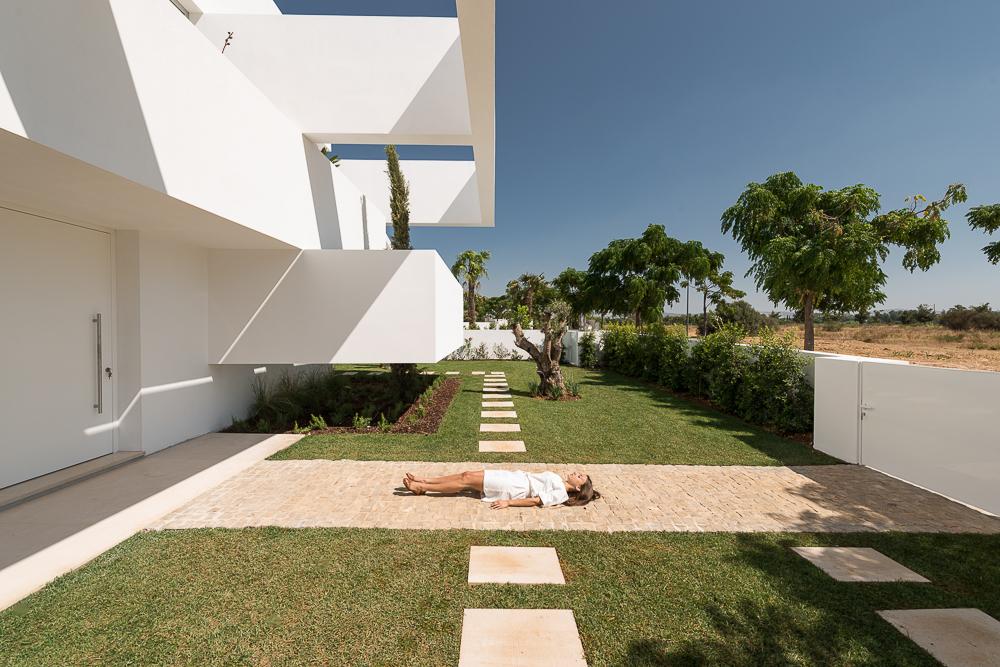 Five-Terraces-and-a-Garden-0.jpg