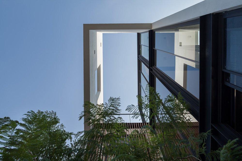 Aperture-House-3.jpeg