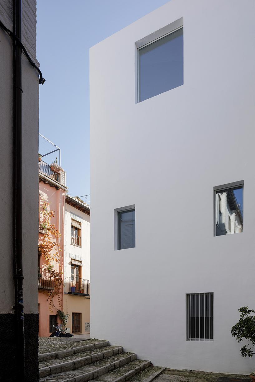 8-experimental-apartments-2.jpg