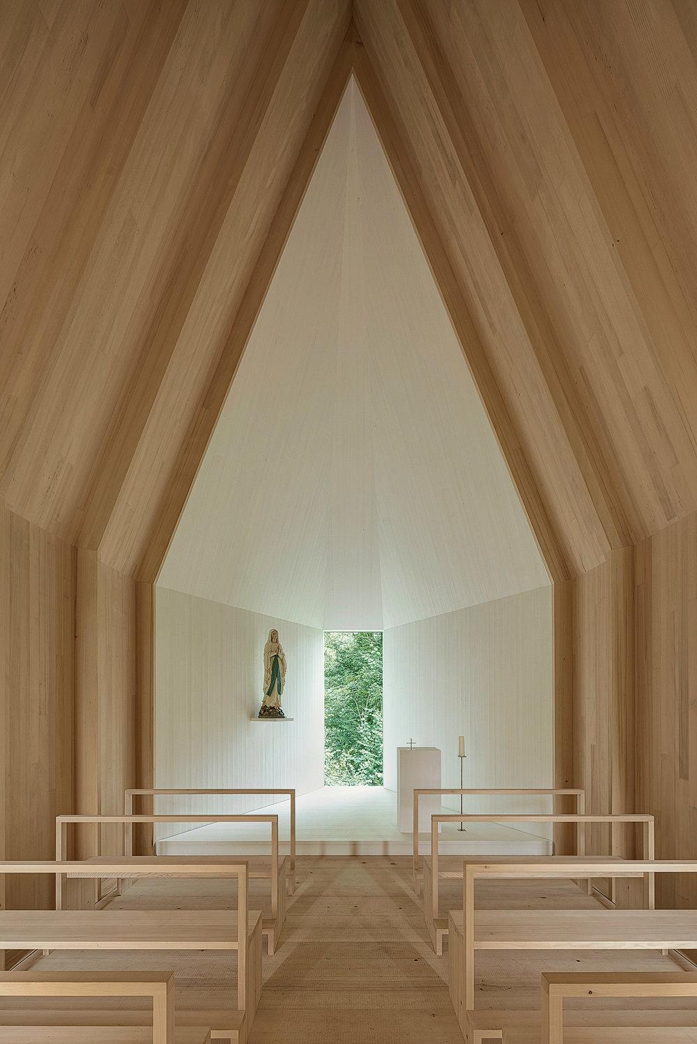 kapelle-salgenreute-bernardo-bader-krumbach-architecture-cultural-chapel-germany_dezeen_2364_col_6.jpg