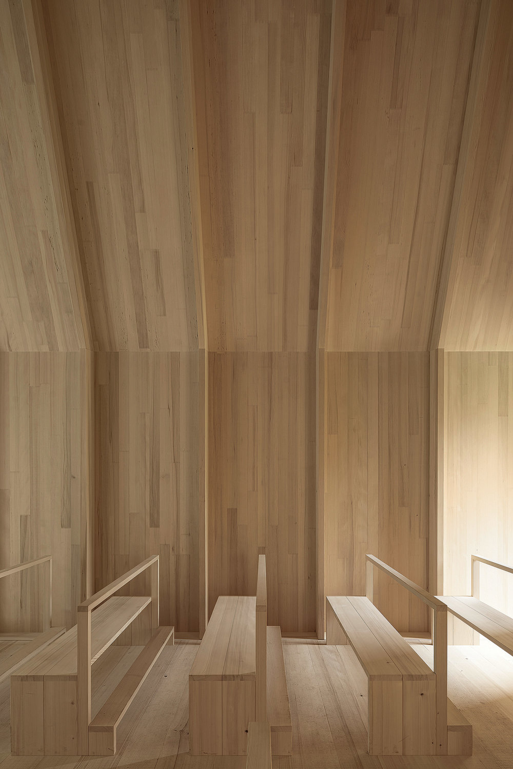 kapelle-salgenreute-bernardo-bader-krumbach-architecture-cultural-chapel-germany_dezeen_2364_col_4.jpg