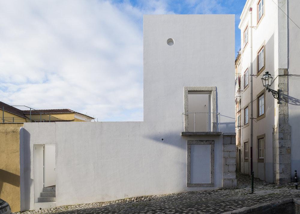 House-in-Alfama-1.jpeg