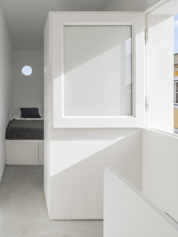House-in-Alfama-8.jpeg