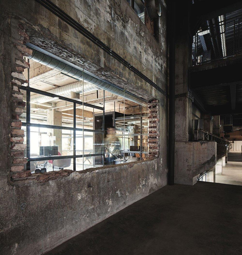 FlaHalo-Office-Manufactory-4.jpeg