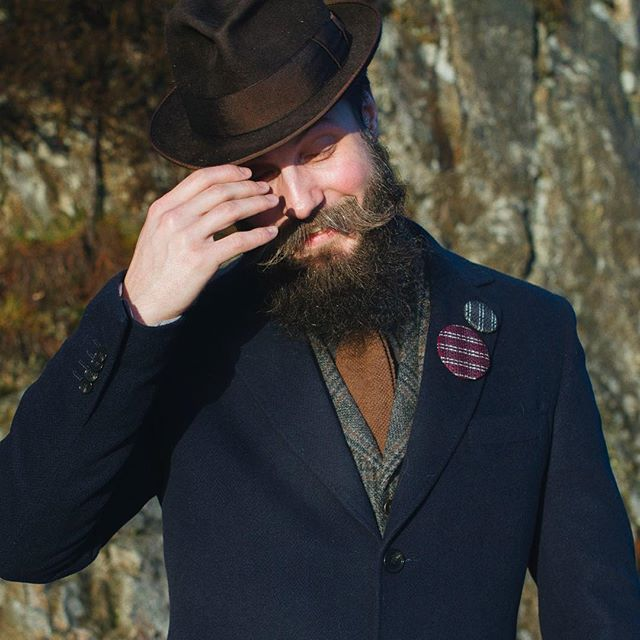 Last two days of the January sale! Thanks to @jensjha for the modeling #cofl #coflnorway #conductoroflight #accessories #reflective #tweed #buttons #fashionaddict #sun #hat #bearded #clothes #winter #hat #norway #bergen #fyllingsdalen #photosession #sale #save #january2017