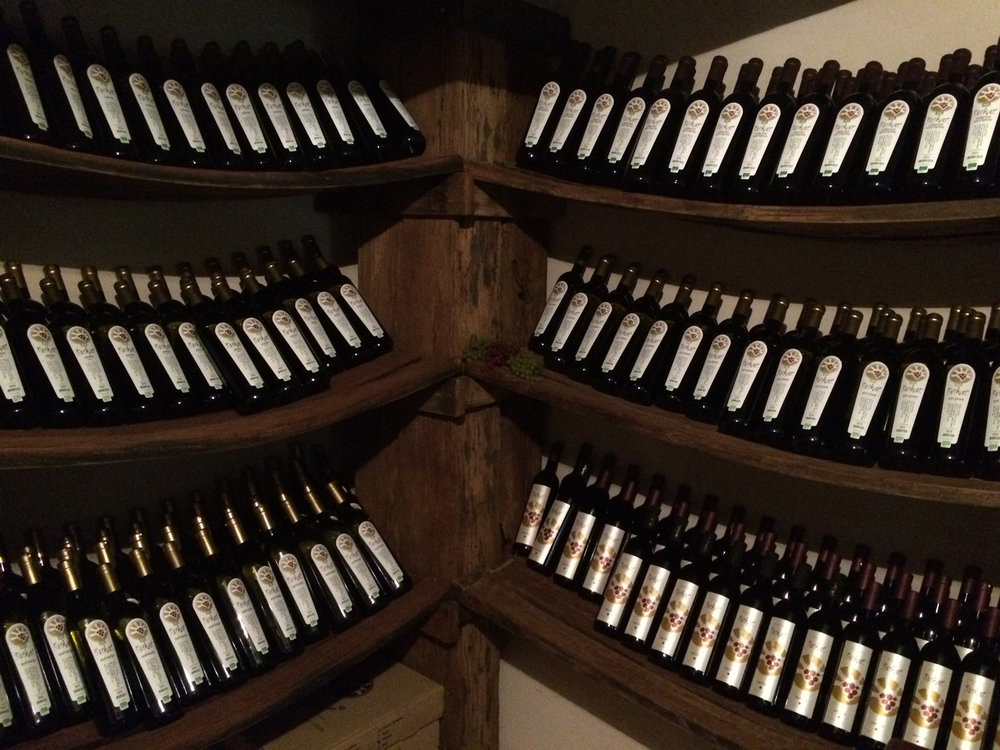Stekar Wine Display