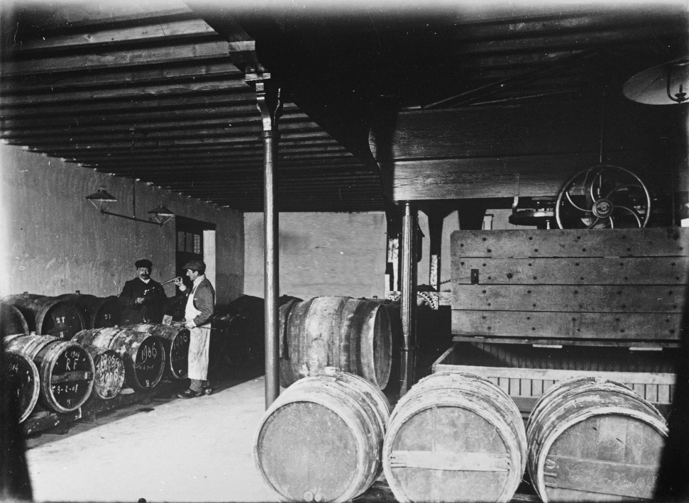 Barnaut-tonneaux-1906-e1467458855435.jpg