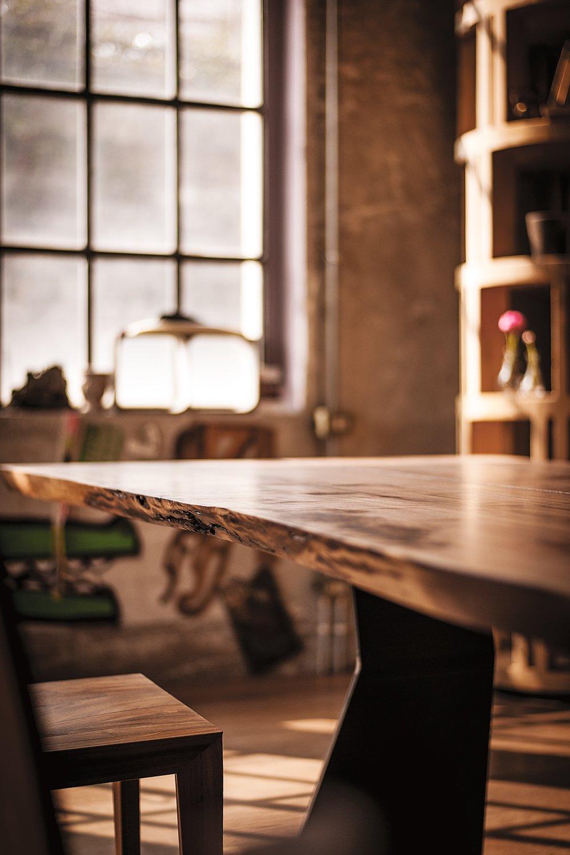 RIVA1920_Bedrock Plank C_walnut5.jpg