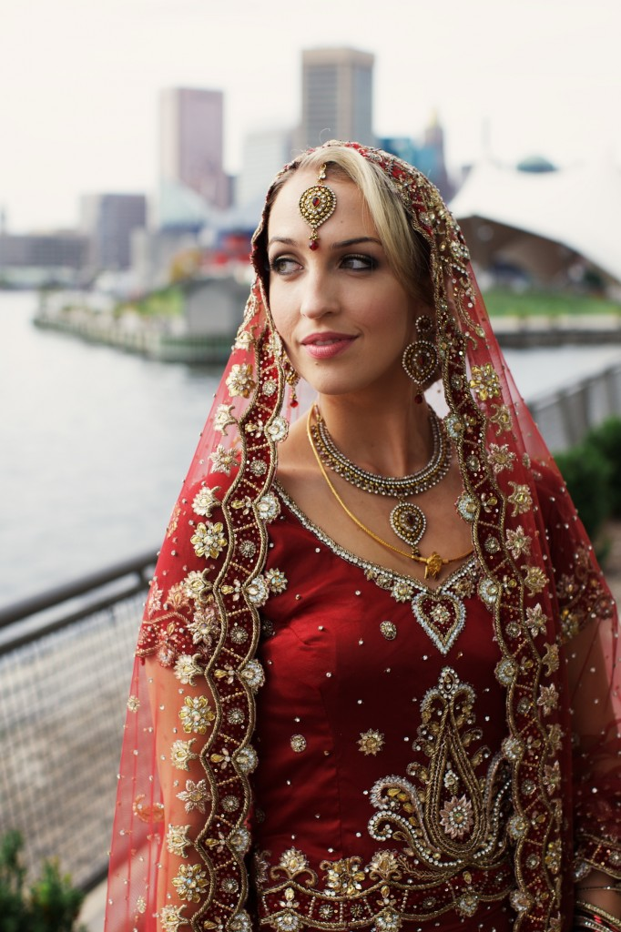 DEX NEW YORK BRIDES NICOLE WEAVER INDIAN WEDDING .jpg