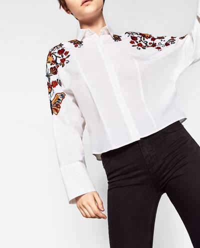 Camisa Crop Bordado
