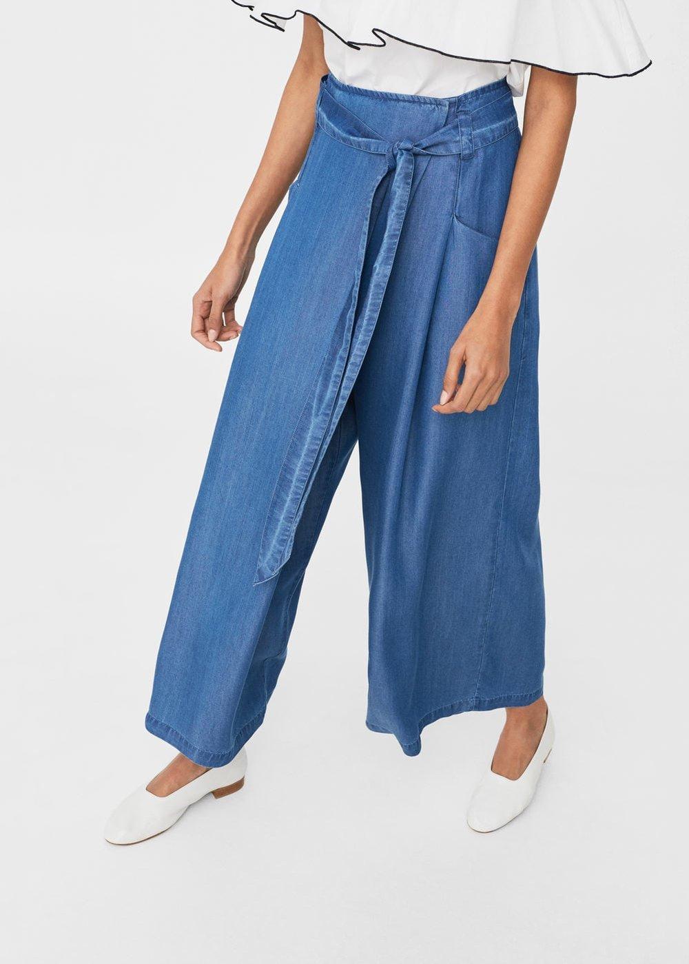 Wide leg blue jean