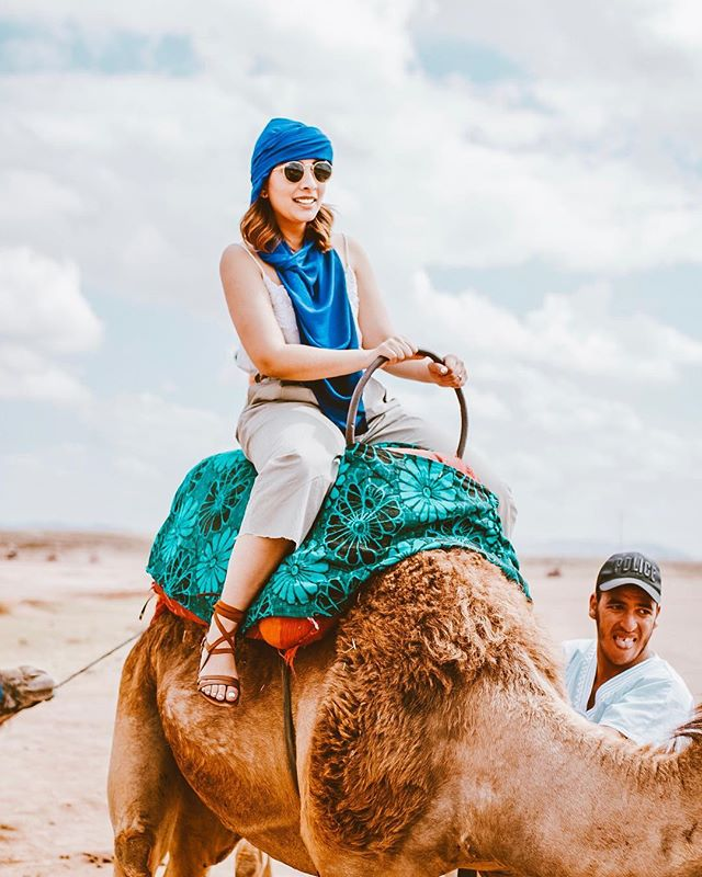This day probably left me the worst tan that I have ever had, but had incredible moments like driving around a shepherd with it's sheeps and enjoying tea in the middle of nowhere 🐪✨ #soratravels #marrakech #sorasandoval #camelride