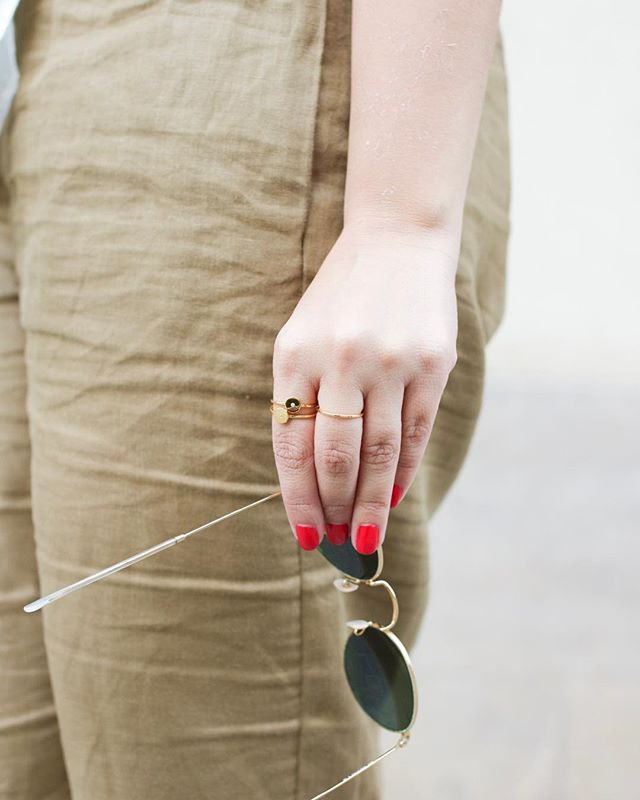 Listas para comenzar el Lunes 🙌🏼 #triangullo #minimalisticjewelry #goldplatedjewelry #loveit