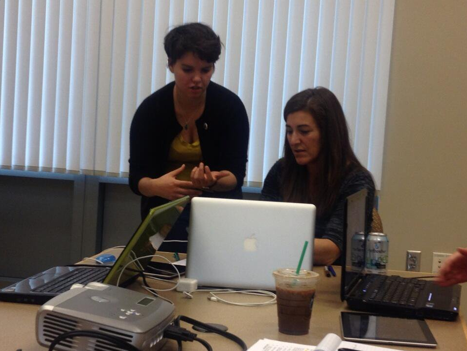 Kelley teaches Paschal Sherman Indian School Teachers How to Use iMovie for Citizen Science in the Classroom