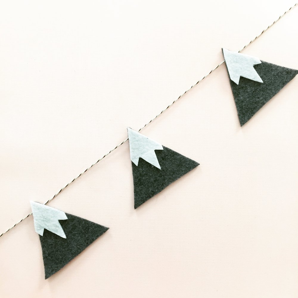 DIY Snowy Mountain Garland 6