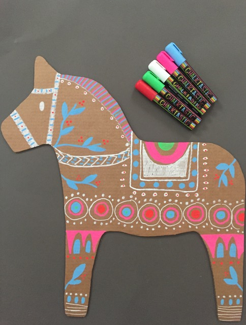 DIY Cardboard Dala Horse 7