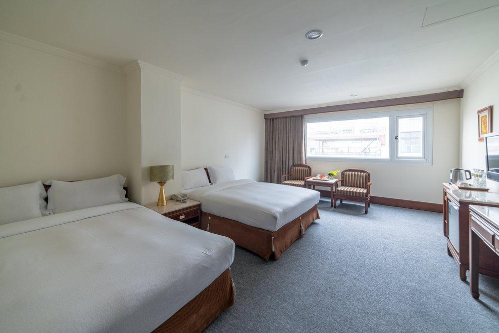 家庭四人房 - 雙人床 x 2-或-雙人床 x 1 單人床 x 2入住4人約30平方米
