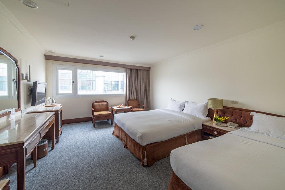 溫馨三人房 - 雙人床 x 1 單人床 x 1入住3人23-26平方米