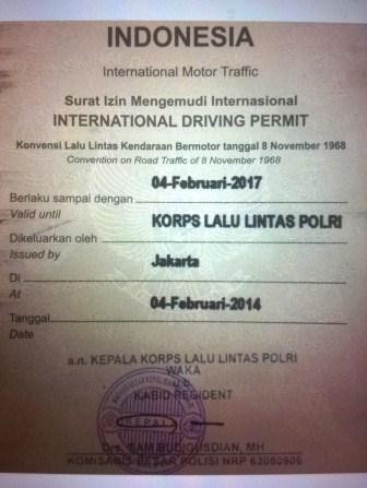 Penampakan depan SIM Internasional yang mirip Passport