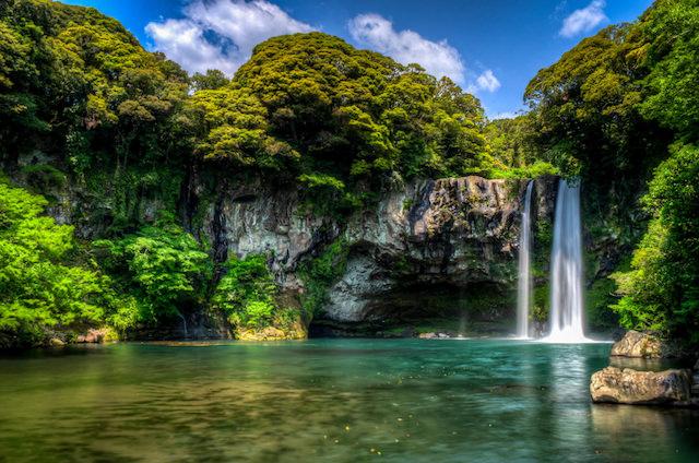 29-cheonjiyeon-waterfall1.jpg