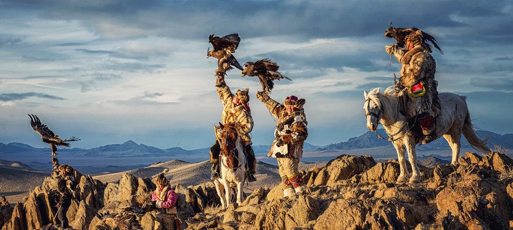 mongolia-etaporamaxplore-eagle-festival.jpg