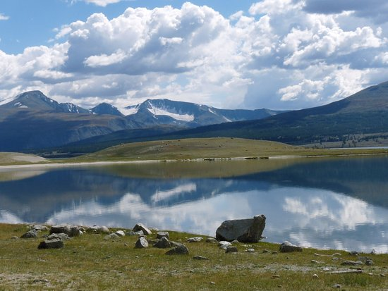 khoton-lake.jpg