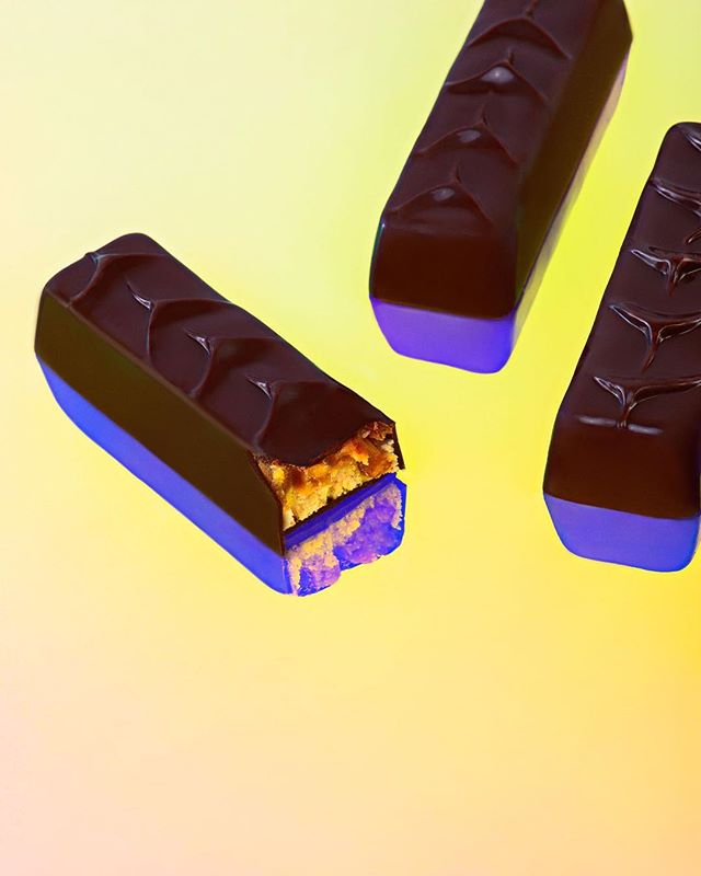 "Every now and then you experience a flavor combination that really leaves you like ""WOW!"". That's how our Dark Chocolate, Caramel, Almond, Nougat Bars will do to you. The perfect blend of chocolate, crunch, and 💥 that you can't help but get a smile on your face each time you take a bite. Plus the added THC doesn't hurt. Each comes with 5 servings of 10 mgs of THC. This is what edibles should be about ✨"