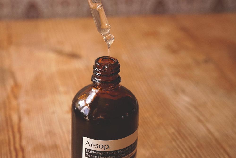 hudvardsverkstan-aesop-lightweight-facial-hydrating-serum-consistency.jpg