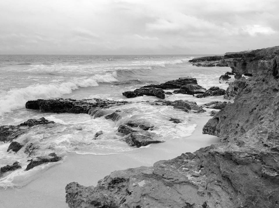 isla waves.jpg